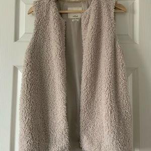 Wilfred Faux Fur Vest